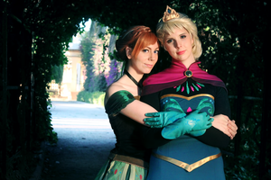 Cosplay: walking by Abletodoall