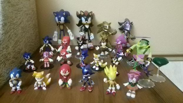 My collection of figures by Gladartist