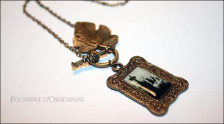Collier cimetiere des songes by PoussiereObsidienne