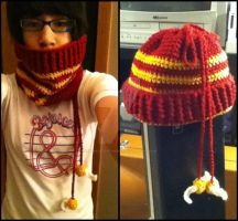 Gryffindor Convertible Cowl-Hat! by UmbraOfTheDuende