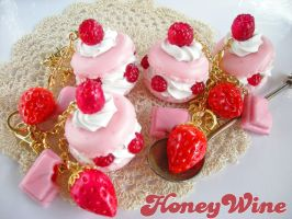 Pink macaroons and Strawberries 1 by rriee