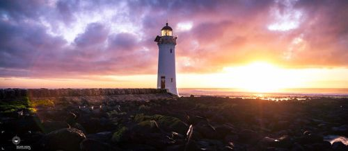 Griffiths Island Lighthouse by knickerspix