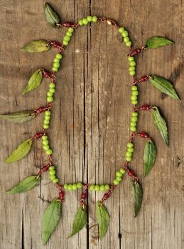 Leaf Necklace by Butterflyhornet