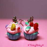 Cupcake earrings2 by tinkypinky