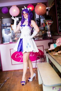 Rarity at your service! by LuceCosplay