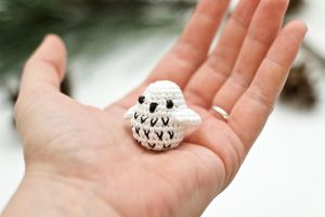 Hedwig by TheBittiestBaubles