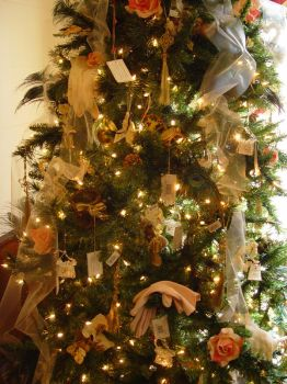 Christmas Tree by LinzStock