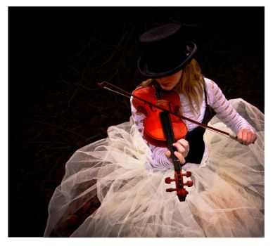 Red Violin by ell3cktra