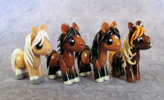 4 Lovely Little Horses by DragonsAndBeasties