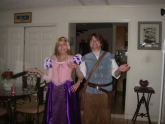Realms Con 2012 Saturday- Rapunzel and Eugene by Kabuki-Sohma