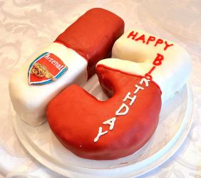Arsenal Cake by the-hermit-crab