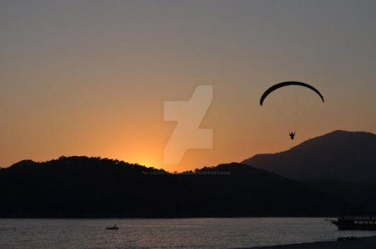 Paragliding at Oludeniz by lilith-the-queen