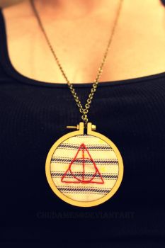 Deathly Hallows Necklace by Chudames