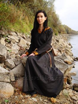 Medieval woolen dress with silk by SlavMedievalShop