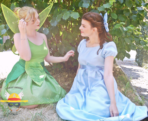 Tinkerbell ft Wendy Cosplay by GlowingSnow