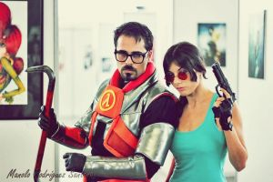 Lara Croft Vs Gordon Freeman by Frutodetuimaginacion