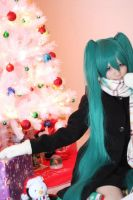 Holiday Miku by Lycorisa