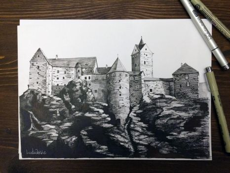 Castle by Lantagriele