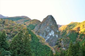 A limestome mountain by Furuhashi335