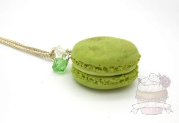 Green tea SCENTED macaron necklace by ilikeshiniesfakery