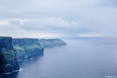 Cliffs Moher by gustiidiaz