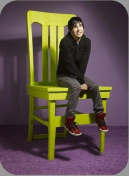 Pete's in a huge chair by peteluv