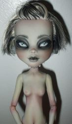 Frankie - monster high repaint by klody
