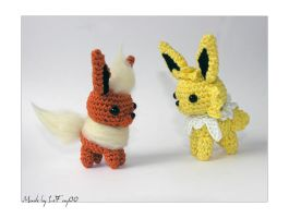 Chibi Flareon and Jolteon Amigurumi - Side view by LeFay00