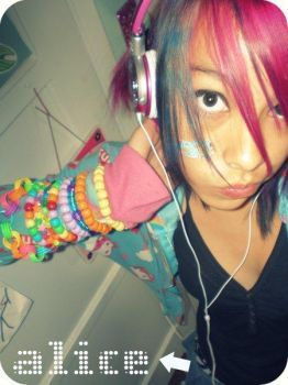 Pretty Rave Girl by JustCallMeAlice