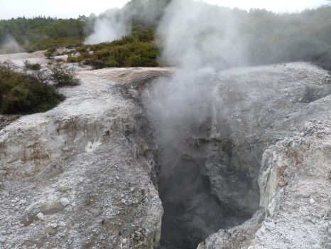 Geothermal Area 101 by raindroppe
