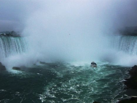 Niagara Falls by libraryliving