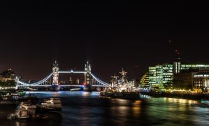 Night-Time Thames by valkeeja
