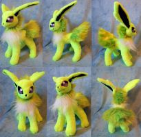 Shiny Jolteon (up for sale) by Rens-twin