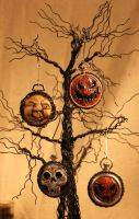 Halloween Ornies by LabyrinthCreations