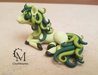 green pony sculpture by claymeeples