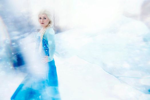Elsa - The Cold Never Bothered Me Anyway by Nyxiie