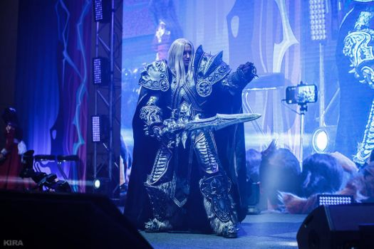 Warcraft - Dancing Arthas by Aoki-Lifestream