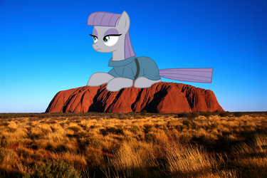 Giant Maud Pie at Uluru -I fits I sits edition- by Didgereethebrony