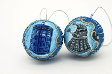 Two ready to ship Doctor Who ornaments by hontor