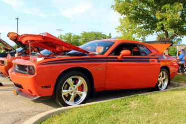 Dodge Challenger Hemi by PhotoDrive