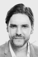 Daniel Bruehl (drawing) by Quelchii