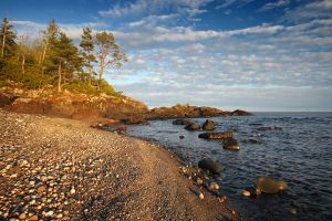 An Evening on Lake Superior by tfavretto
