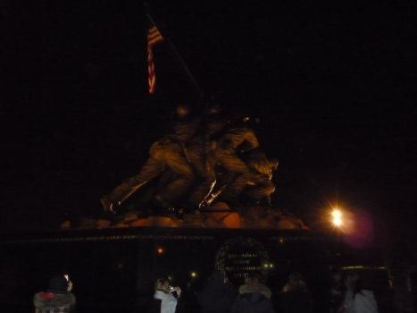 Iwo Jima Memorial at Night by MarineRaider