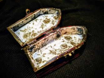 Death Flower Stash box, inside by DanaiMorningstar