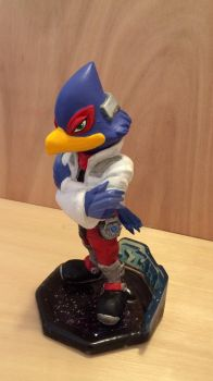 Falco by vrlovecats