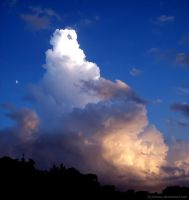 The Moon and The Cloud by Fabiuss