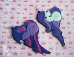 Twilight Sparkle and Rarity Hearts by Kimmorz