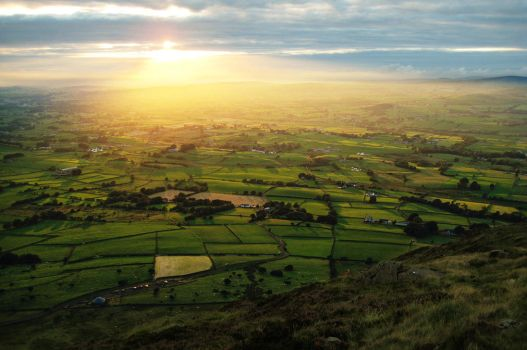 Slemish Sunset by younghappy