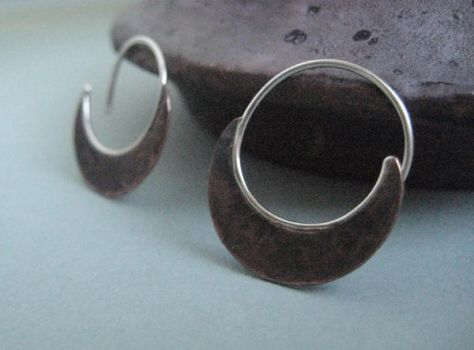 small copper blade earrings by discomedusa