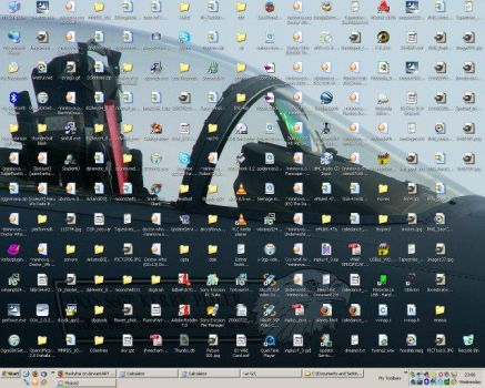 My Current, Cluttered Desktop by arakinuk